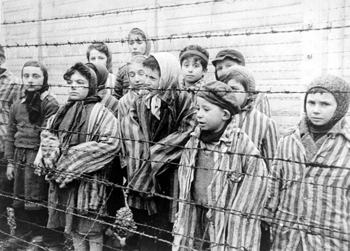 El antisemitismo llegó a su culminación con el Holocausto / Wikipedia