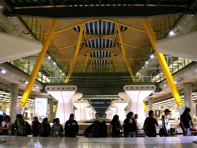 El aeropuerto de Barajas en Madrid ya no recibe tantos inmigrantes como antes de 2008 / Flickr: Marina Martínez