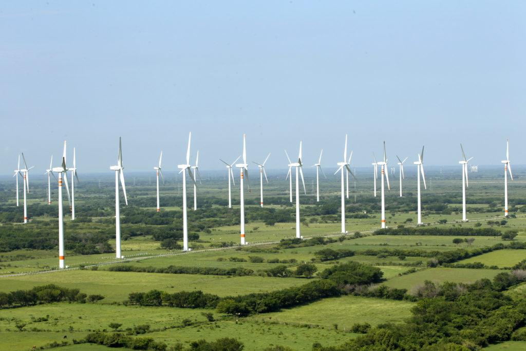 Los costos de la energía eólica y la hidroeléctrica de la región están entre los más bajos del mundo / Flickr: Acciona México