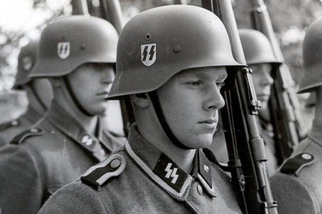 Las SS de Hitler cometieron las peores atrocidades durante la Segunda Guerra Mundial / Flickr:RV1864