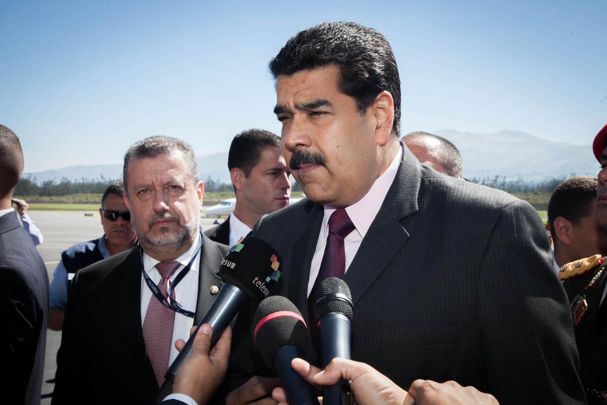 Nicolás Maduro hablando ante los medios