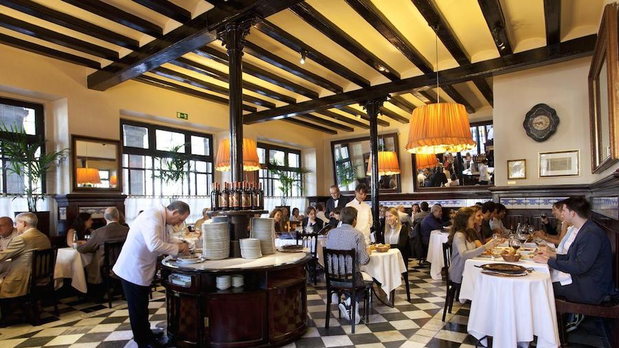 El restaurante 7 Portes, uno de los mejores de Barcelona / Foto: Hostemplo