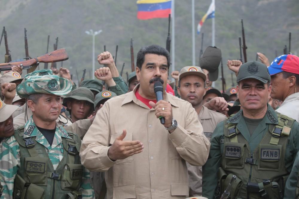 El discurso militar del madurismo se mueve entre la charlatanería y la invocación a la muerte / Foto: www.nicolasmaduro.org