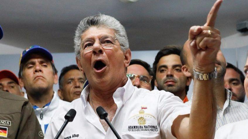 Ramos Allup pidió que ningún partido político se apropie del éxito de la consulta / Foto: Acción Democrática