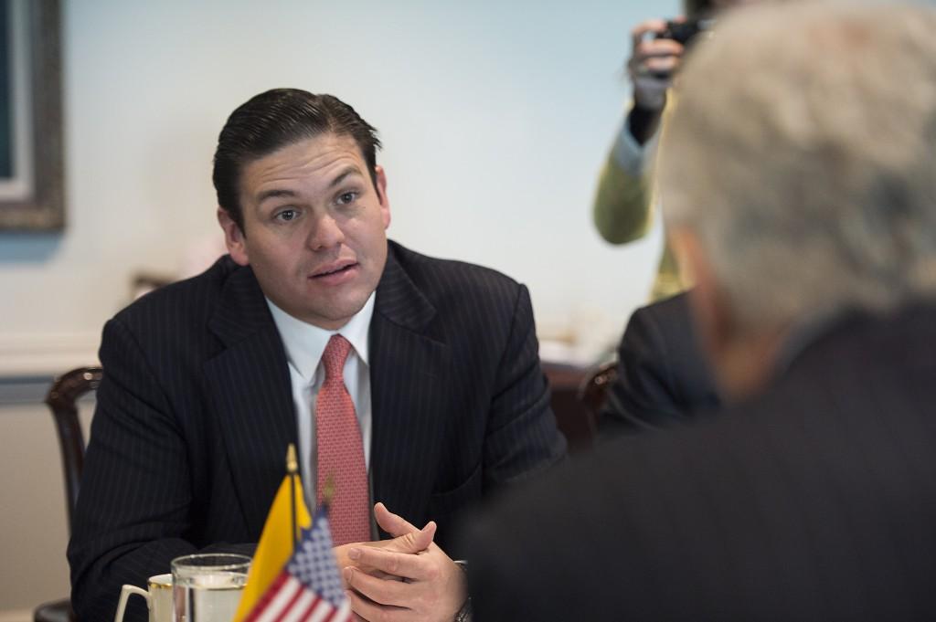 El más cercano colaborador de Santos, Juan Carlos Pinzón, pidió transparencia en el desarme de las FARC / Foto: Wikimedia Commons