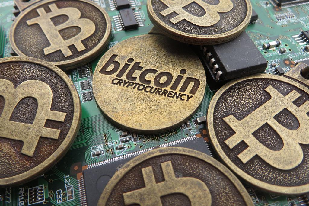 """Expertos como Santiago Márquez Solís definen Bitcoin como """"experimento monetario"""" / Foto: Pixabay"""