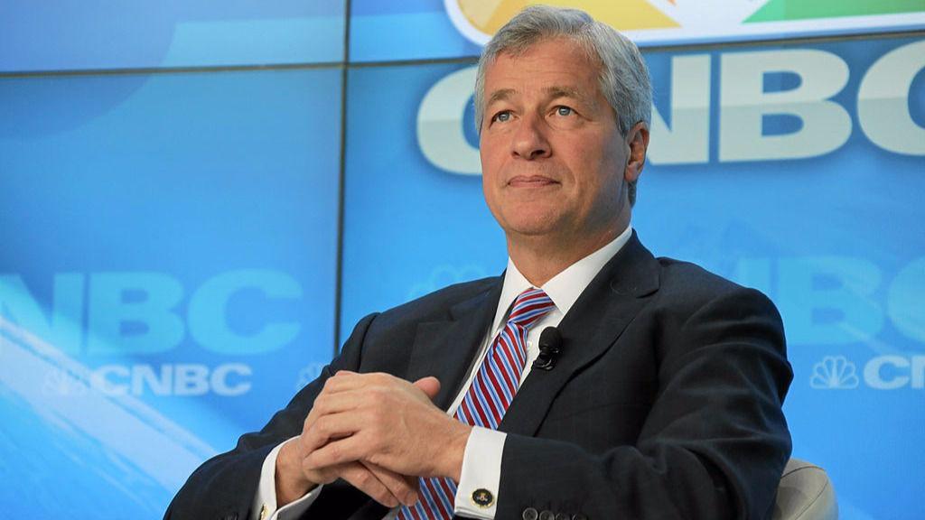 El CEO de JP Morgan comparó el fraude del bitcoin con la estafa de los bulbos del tulipán en Holanda / Foto: WEF
