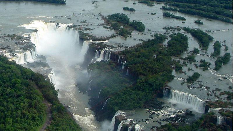 """La """"prolongada ralentización económica"""" en la región impacta en el reto del agua / Wikimedia: Mariordo"""
