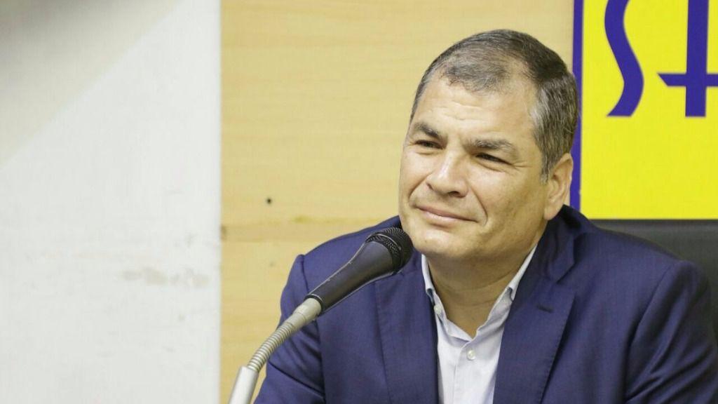 """Rafael Correa acusa a Lenín Moreno de """"traición"""" a la 'Revolución Ciudadana' / Twitter: @35Pais"""