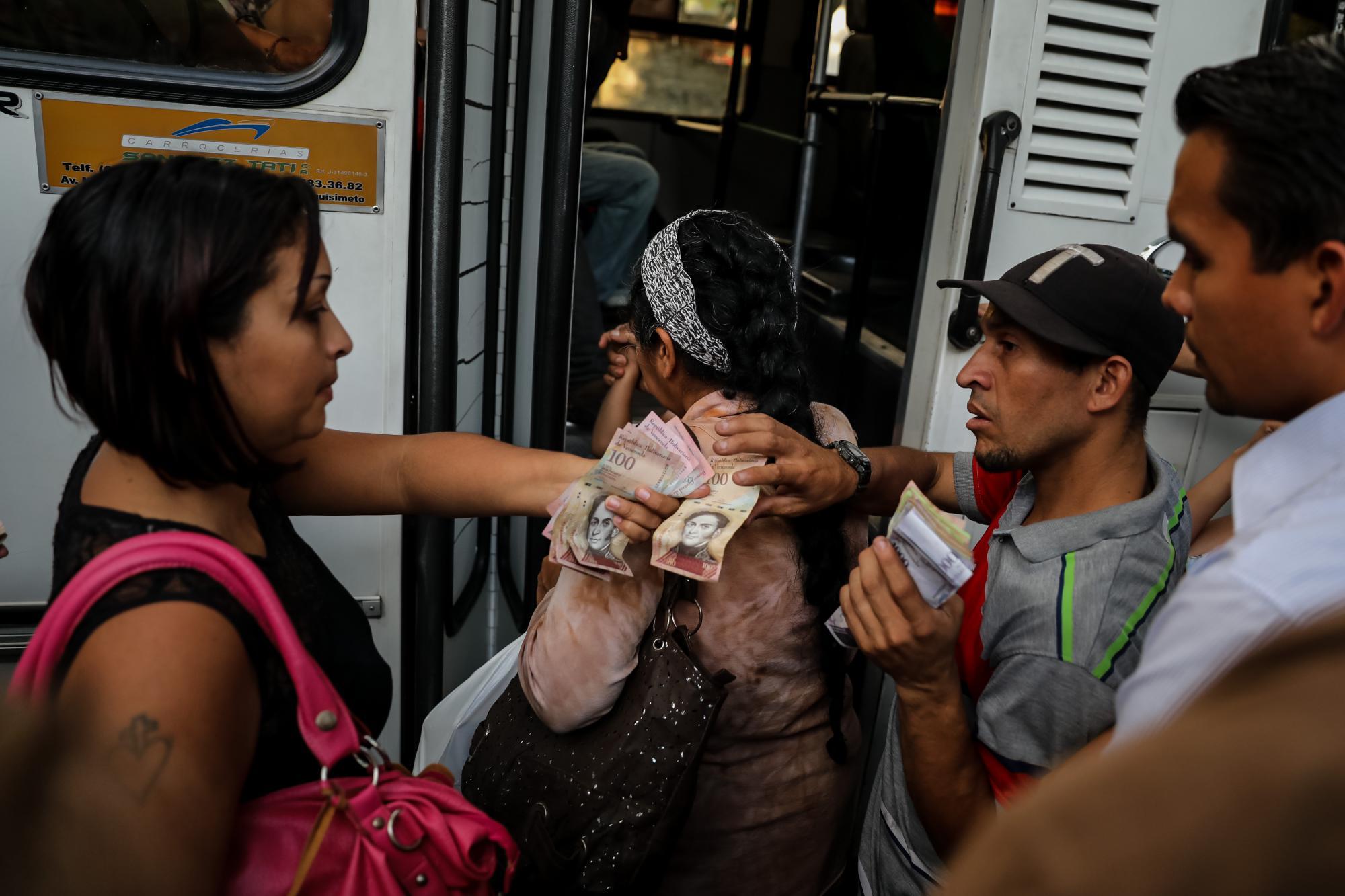 La cesta de la compra en Venezuela crece a diario por la disparada inflación / EFE: Miguel Gutiérrez