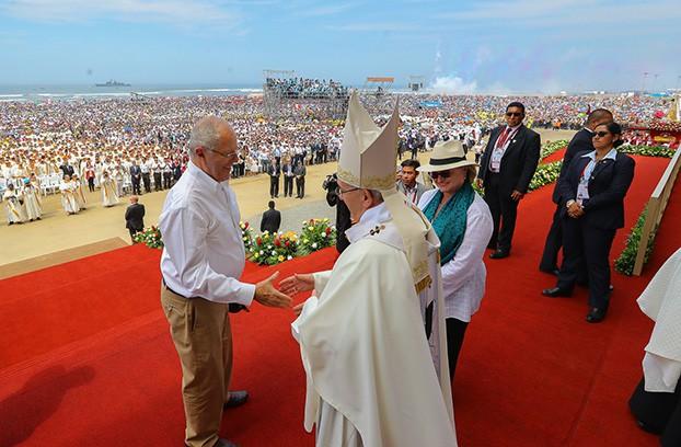 La visita del Papa servirá para reforzar la fe cristiana, pero no para mejorar la situación política / Foto: Presidencia Perú