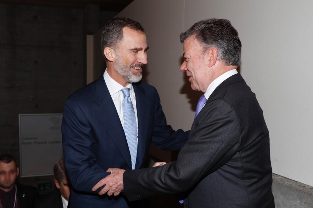 El Rey se reunió con líderes latinoamericano en el Foro de Davos. Uno de ellos, Juan Manuel Santos / Foto: Casa Real