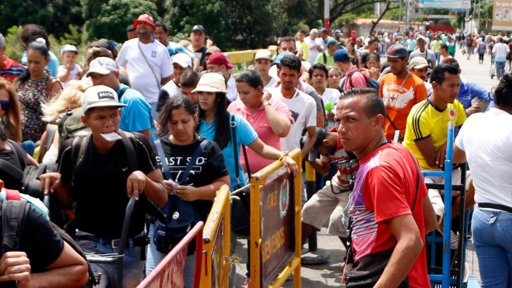 La causa del éxodo venezolano es un proceso político que derivó en hiperinflación, hambre… / EFE: Schneyder Mendoza