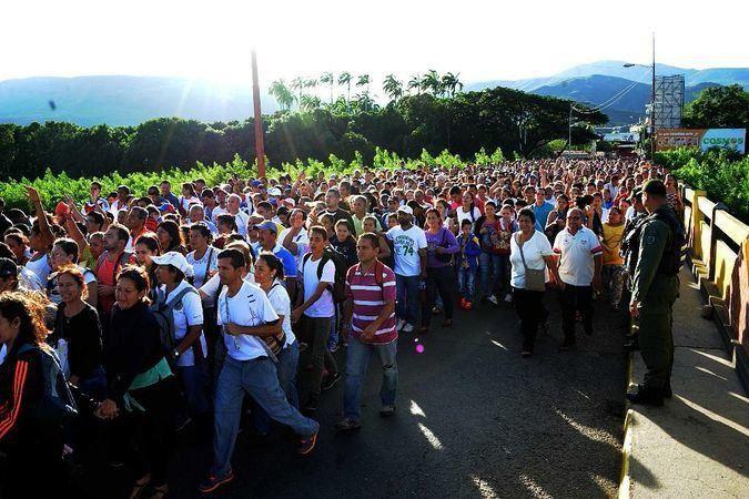 La causa del éxodo venezolano es un proceso político que derivó en hiperinflación, hambre, desempleo… / EFE: Gabriel Barrera
