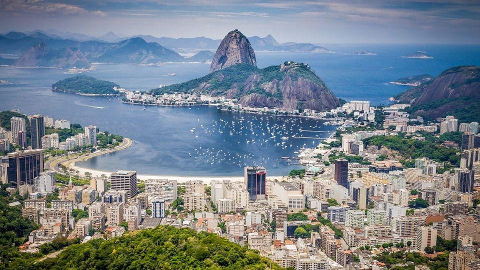 Las ventas del comercio minorista brasileño crecieron 0,6% con respecto a un año antes / Pixabay: Poswiecie