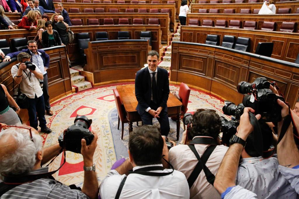 """El gabinete de Sánchez """"ha sido un golpe de efecto mediático increíble"""" / Flickr: PSOE"""