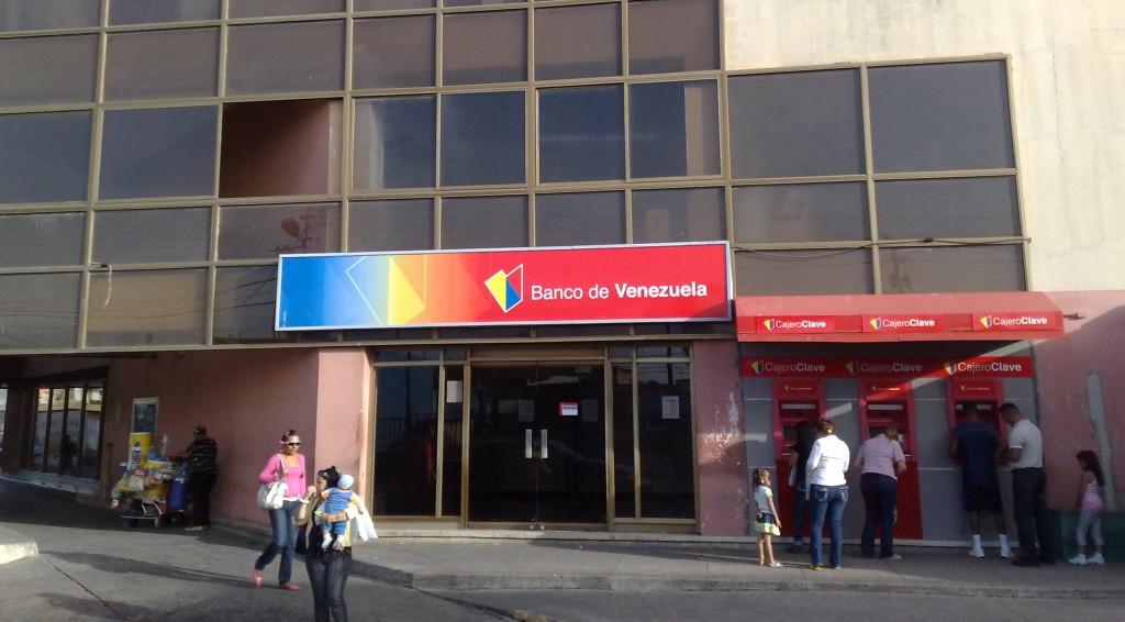 En 2007 Chávez expropió el Banco de Venezuela, filial del español Santander / Foto: WC