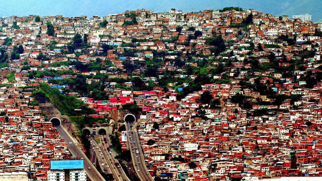 Los barrios marginales se llaman ranchos en Caracas / EFE: Chico Sánchez