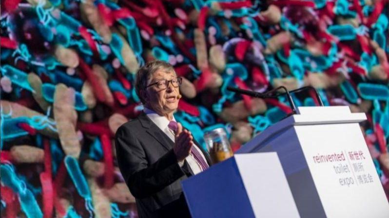 Bill Gates expuso el proyecto de fabricar inodoros que no requieren agua / Foto: Archive Gates
