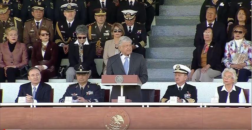 El discurso de López Obrador intenta ganar la voluntad de los militares / Foto: YouTube