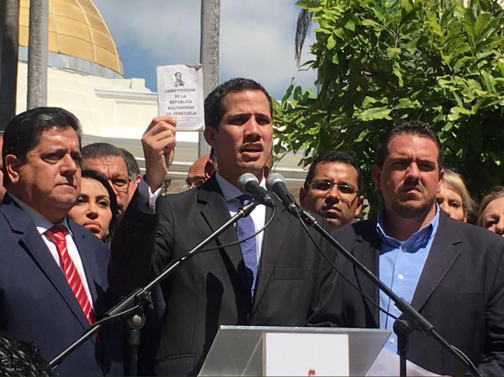 En muchos medios se censura la información sobre Juan Guaidó / Foto: @juanguaido
