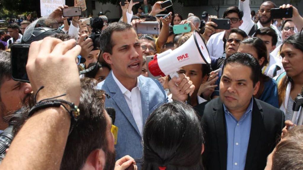 """Guaidó: """"Debemos tener abiertas todas las opciones"""" / Foto: @AsambleaVE"""