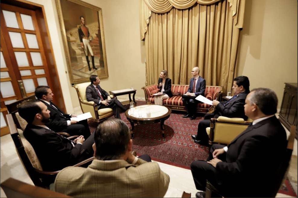 Guaidó recibió en su despacho a los representantes de la UE / Foto: @juanguaido