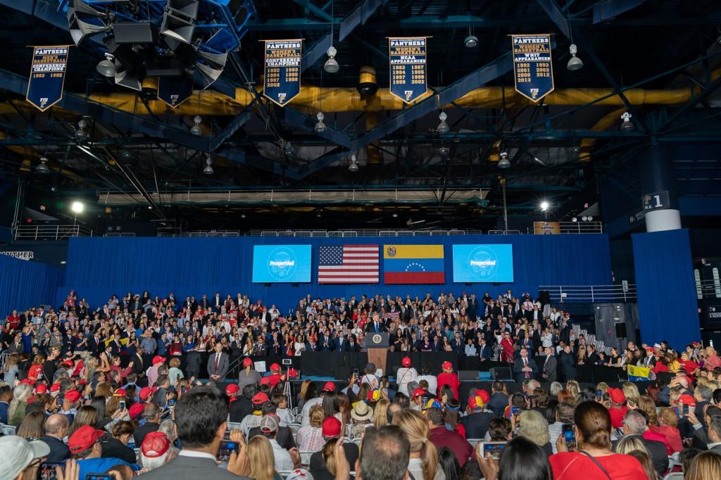 Trump dejó los mensajes estridentes para hacer un serio análisis político en Miami / Foto: Casa Blanca