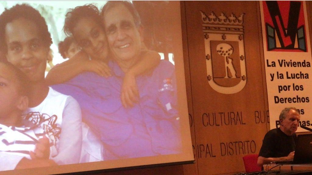 """El exministro Farruco Sesto expuso los """"logros"""" de la Misión Vivienda Venezuela / Foto: David Placer"""