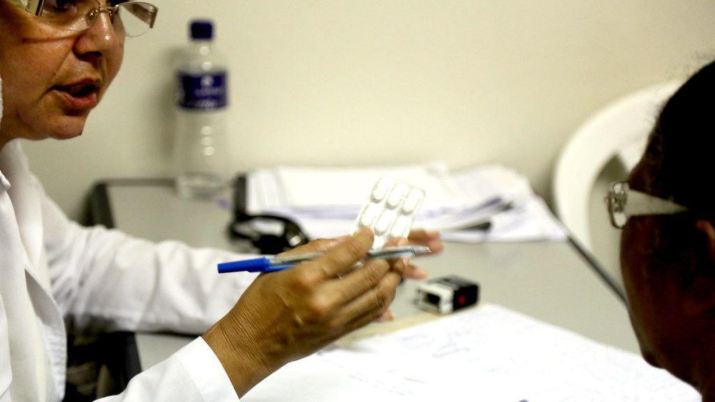 Los médicos cubanos podrán trabajar en las Antillas francesas / Flickr: PAHO