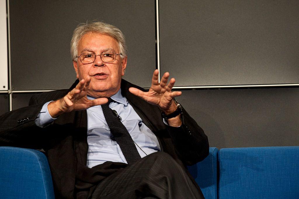 Felipe González dice que las tecnológicas no respetan a nadie / Flickr: Das blaue Sofa