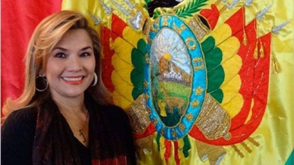 Jeanine Áñez tiene que lograr el apoyo del Ejército / Foto: WC