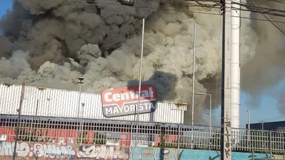 En Chile las protestas están dañando la infraestructura / Foto: Bomberos de Chile