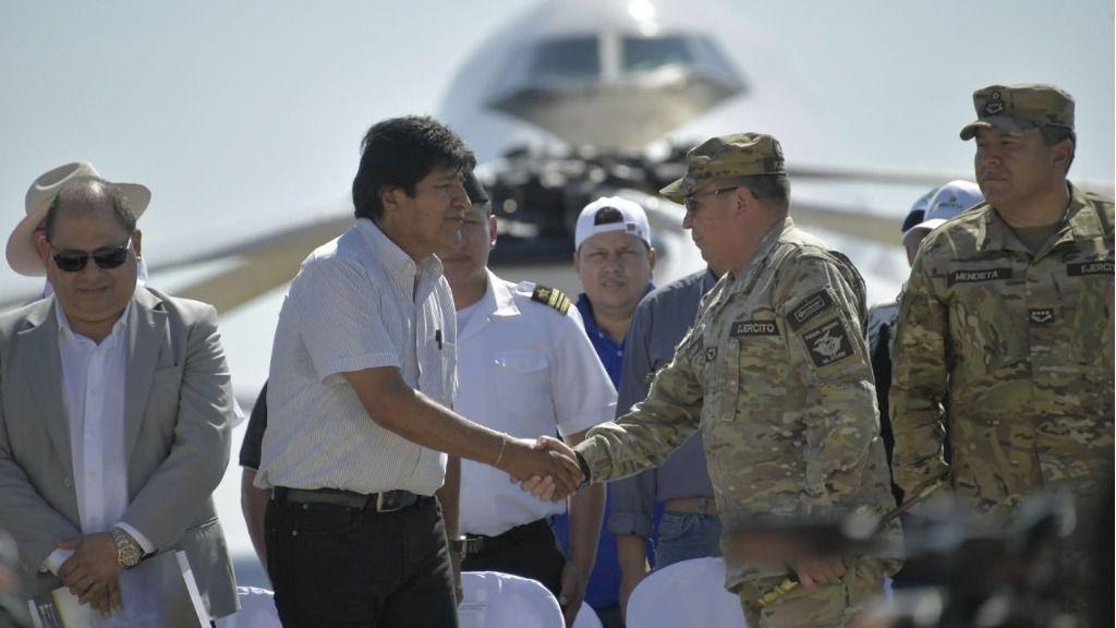 Evo Morales dice que EEUU compró a los militares con hasta un millón de dólares / Twitter: @evoespueblo