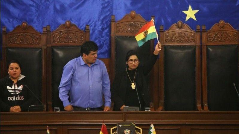Eva Copa, como Jeanine Áñez, asumió su cargo entre lágrimas / Foto: Senado de Bolivia
