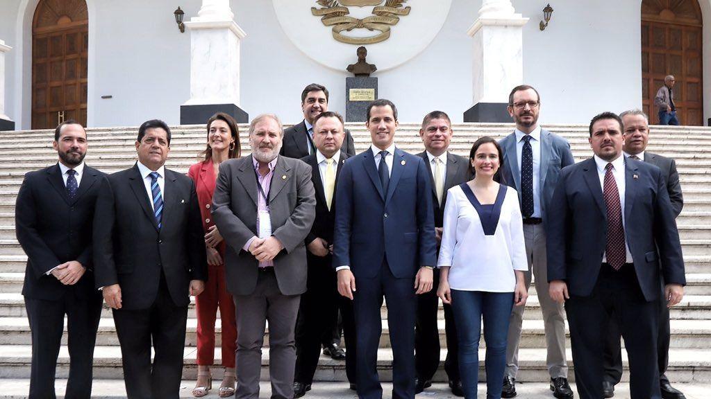 Juan Guaidó se anotó una victoria al lograr la entrada de los parlamentarios españoles a Caracas / Foto: Asamblea Nacional