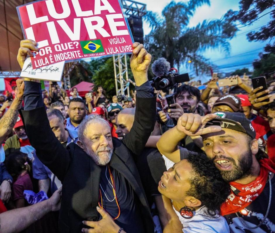 Lula se defiende alegando que lo persiguen por razones políticas / Foto: @LulaOficial