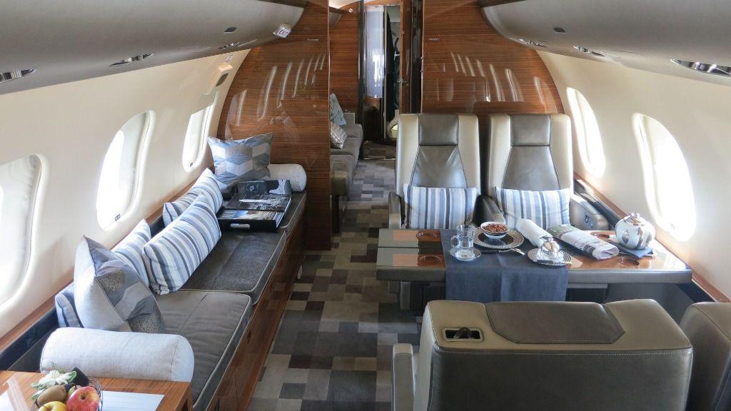 Dentro del lujoso interior del jet hay una cocina espaciosa / Foto: WC