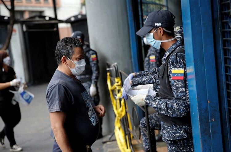 En Venezuela temen que la pandemia pueda alcanzar proporciones dantescas / Foto: WC