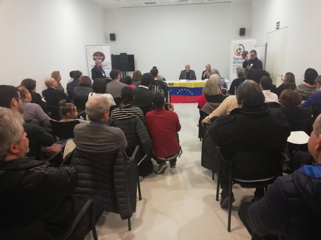 Ecarri se reunió con más de 200 venezolanos del éxodo / Foto: @DiplomaciaVE_ES