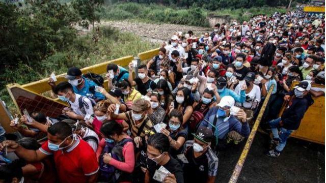 El pasado fin de semana se estimó que unos 600 venezolanos retornaron de Colombia / Foto: Acnur