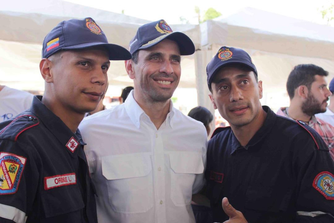 Capriles quiere dar lucha votando en las parlamentarias del 6 de diciembre / Twitter: @hcapriles