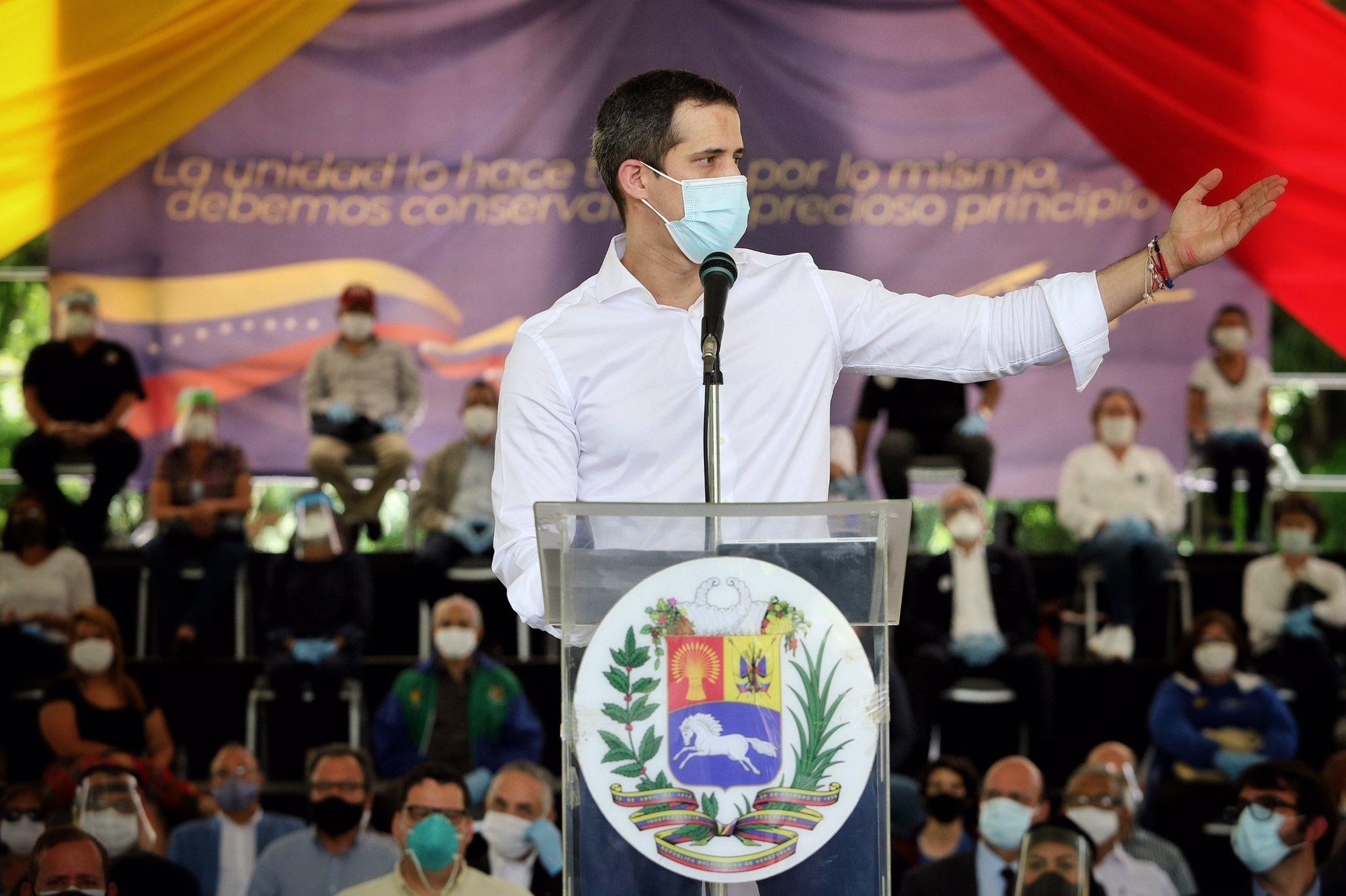Guaidó recibió el apoyo de 37 organizaciones políticas opositoras / Foto: CCN