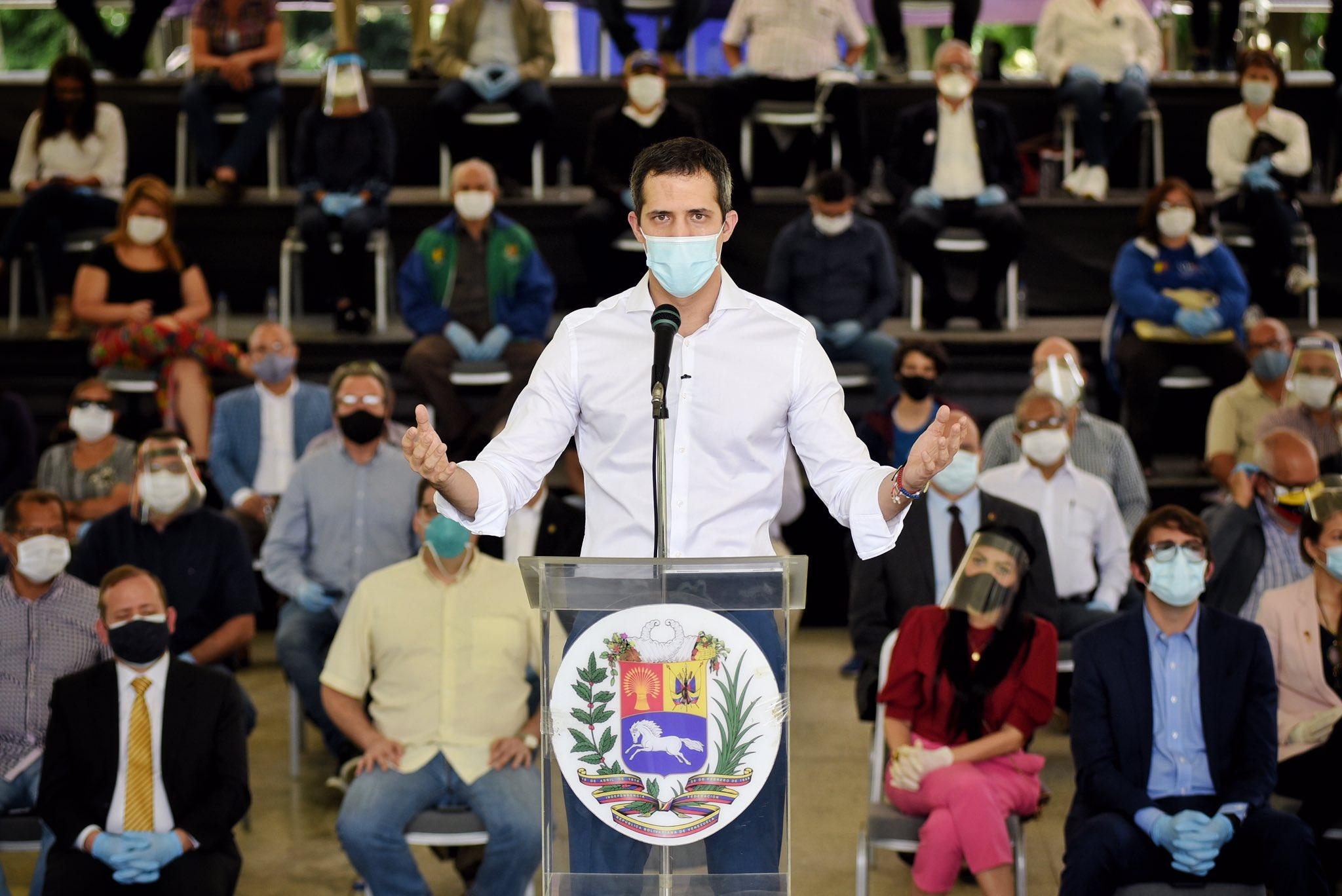 Guaidó sigue teniendo el respaldo de los principales partidos políticos / Foto: @jguaido