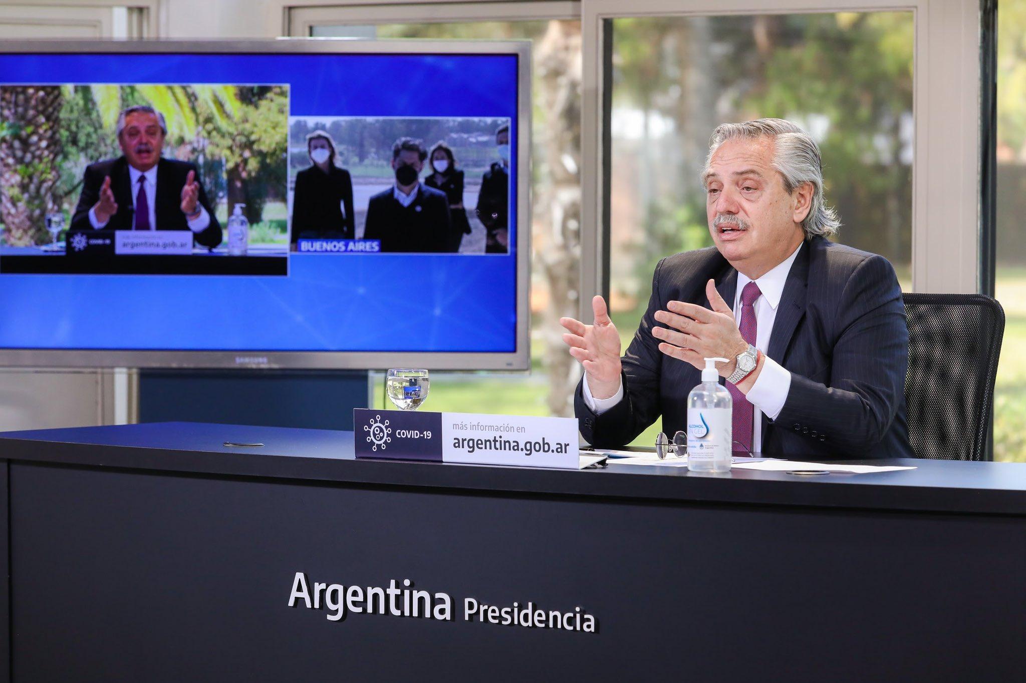 Fernández luce atado por sus compromisos con Cristina Kirchner / Foto: @alferdez