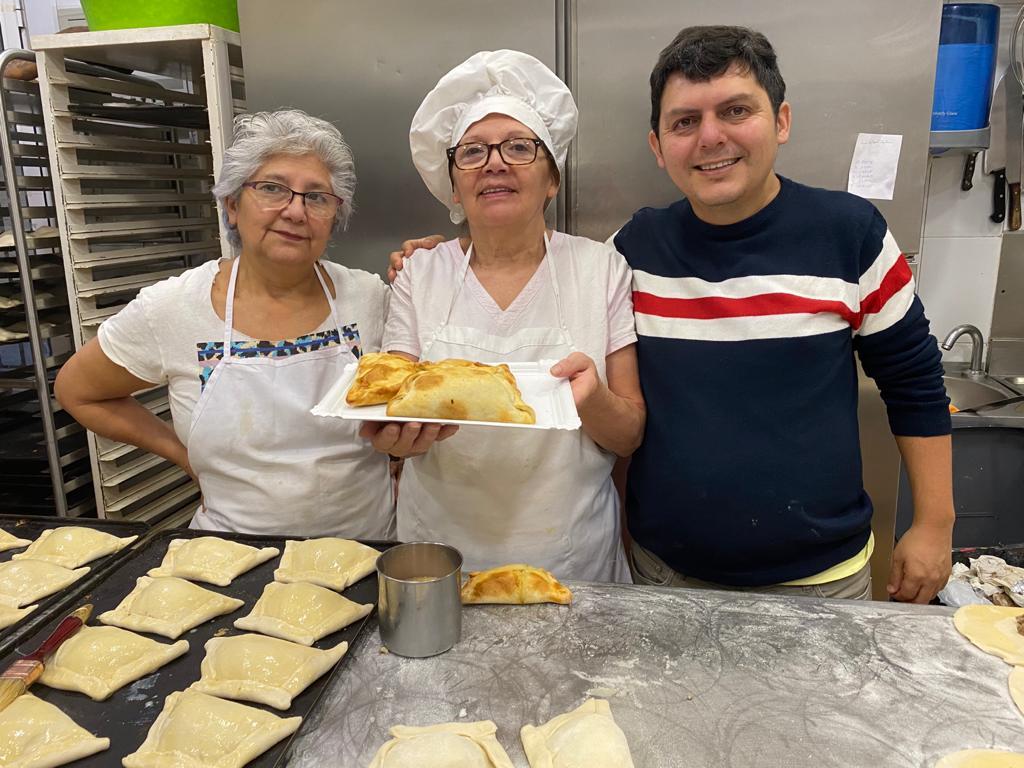 Rosi aprendió a hacer las empanadas con la receta de su mamá / Foto: RU