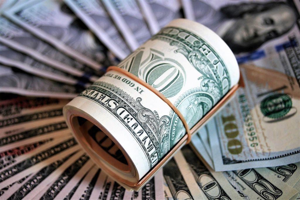 La mayoría de las transacciones en dólares en Venezuela se hacen en efectivo / Foto: WC