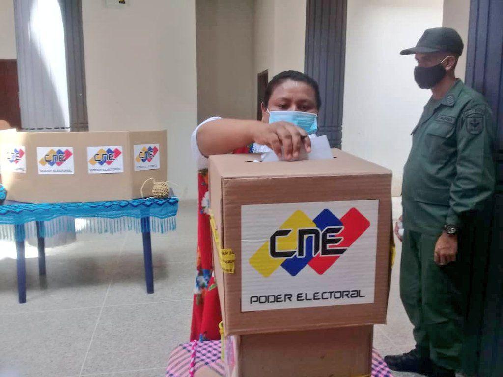El 6 de diciembre se hizo evidente la erosión del voto chavista / Foto: CNE