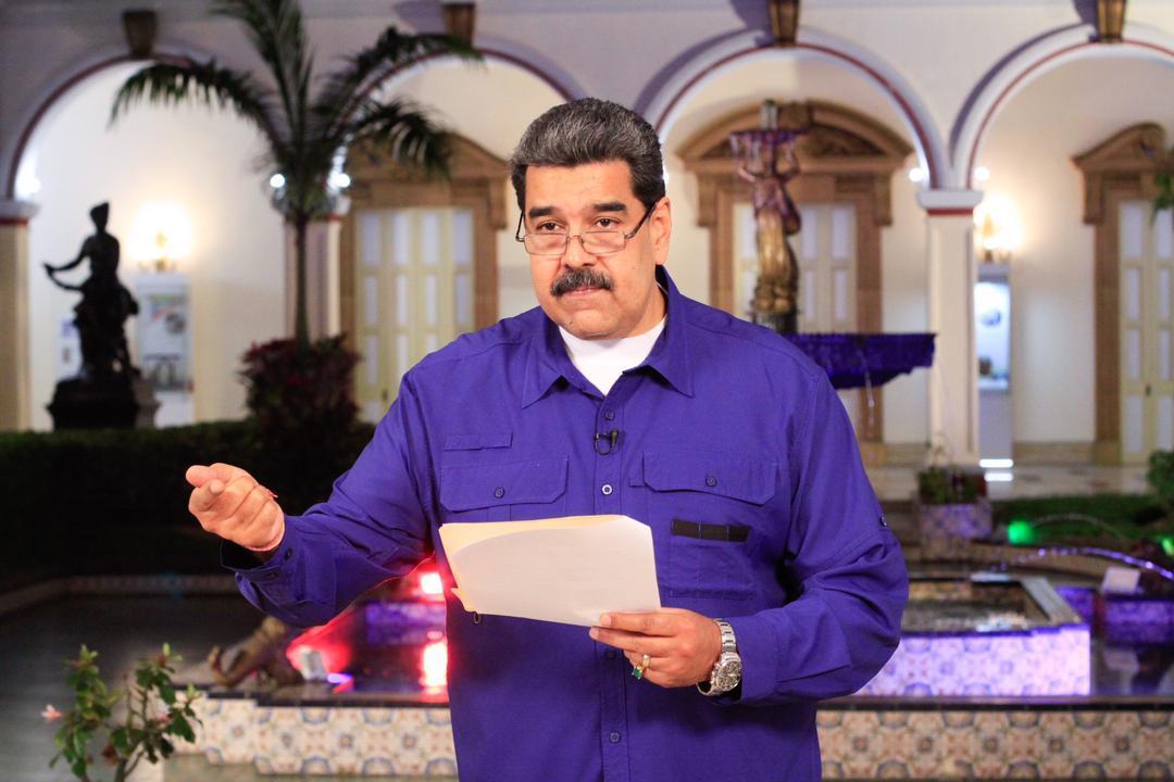 Maduro apunta a la circulación simultánea del bolívar y el dólar / Foto: PrensaVE