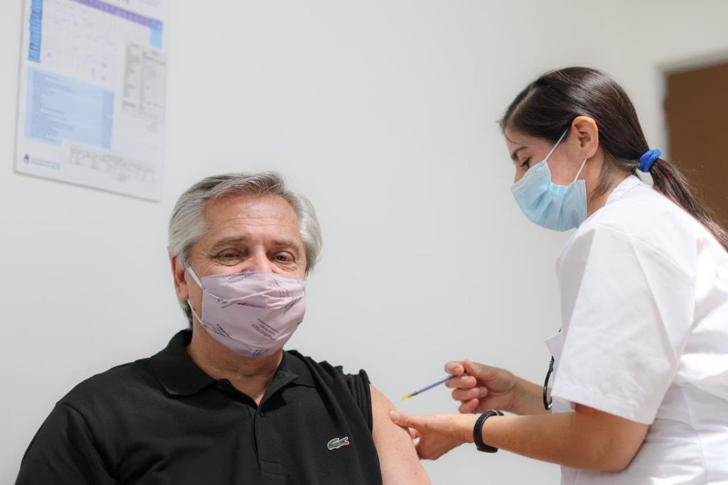 Alberto Fernández fue el primer argentino en vacunarse con la Sputnik V / Foto: @alferdez
